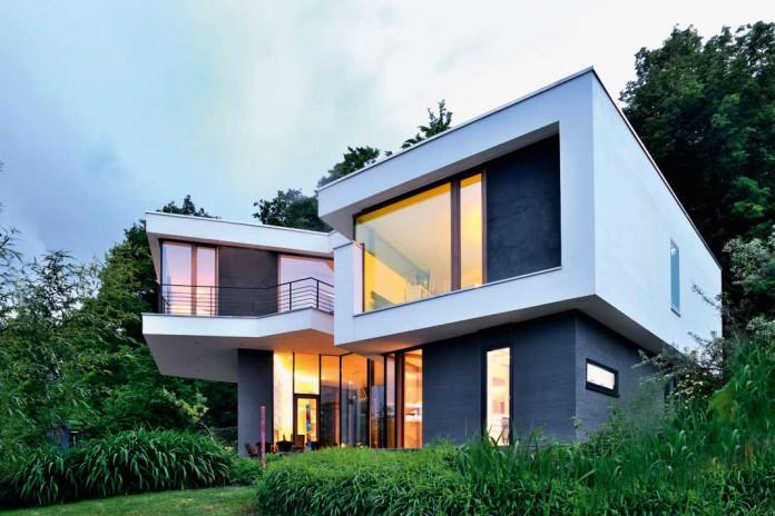 kecke moderne dynamisches hanghaus livvi de. Black Bedroom Furniture Sets. Home Design Ideas