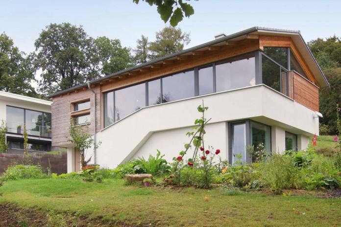 Günstiges und hochwertiges Bauen am Hang LIVVI DE