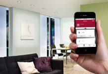 Intelligente Lichtsteuerung: Nicht nur einzelne Leuchten können mit der Paulmann-Home-App gesteuert werden, sondern auch ganze Räume. Foto: Paulmann