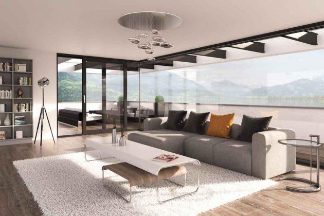 Bodentiefe Fenster mit Hebe-Schiebesystem bieten Panoramaausblick
