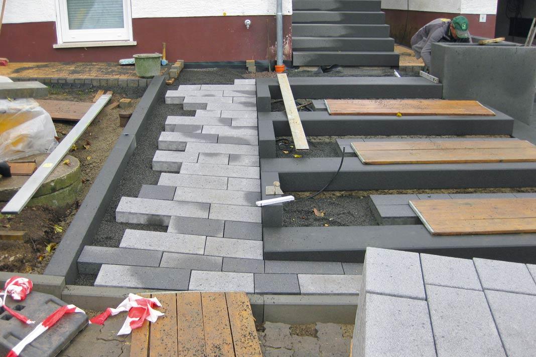 Pflastersteine eingangsbereich  Bodenbeläge für die Terrasse. Barfuß in den Sommer. » LIVVI.DE