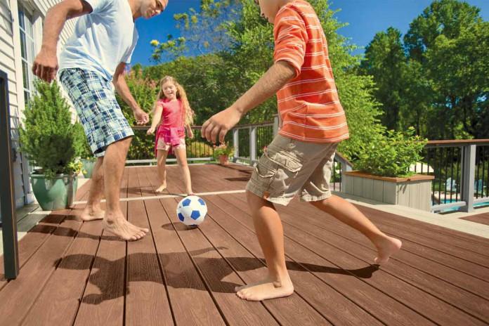 Fußballspielen für die Kinder möglich: Mit dem richtigen Belag