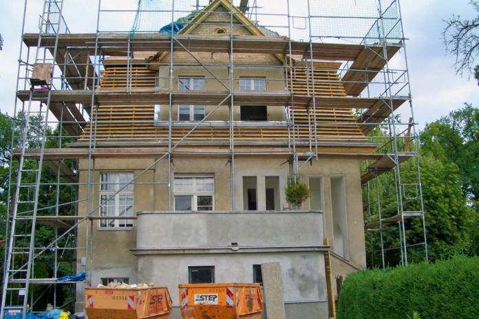 Renovierungsarbeiten am Sommerhaus.