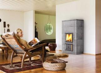 Ein Kaminfeuer heizt zwar nicht ganz so effizient wie ein moderner Holzheizkessel, bietet dafür aber Romantik und Entspannung pur.