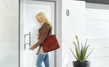"""Haustür """"ThermoPro Plus"""" schützt mit einem extra starken Türblatt und Mehrfachverriegelung die Werte des Hauses."""