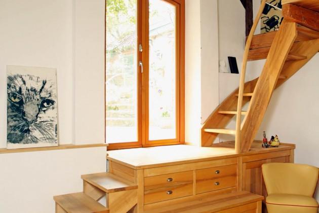 Treppe mit integrierter Kommode
