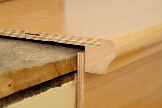 Zur Auswahl stehen viele verschiedene Holzarten und eine Gestaltung mit oder ohne Setzstufen. Im Bild die Ausführung mit einer Multiplexplatte.