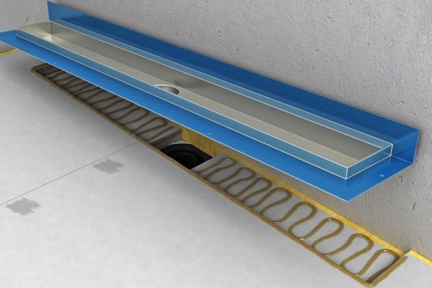 Linienablauf einkleben und mit beigefügten Schrauben fixieren. Danach Butyl- Abdichtungsband aufkleben.
