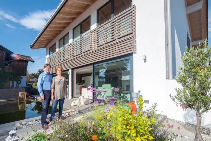 Seit zwei Jahren versorgt eine Zehnder Lüftungsanlage das Haus von Familie Fischbacher effizient und leise mit Frischluft.