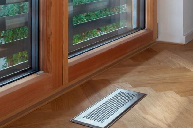 Nur die Abdeckgitter der Luft-auslässe zeugen im Wohnraum von der eingebauten Lüftungstechnik.