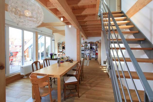 Offen und hell präsentiert sich der Wohn- und Essbereich.