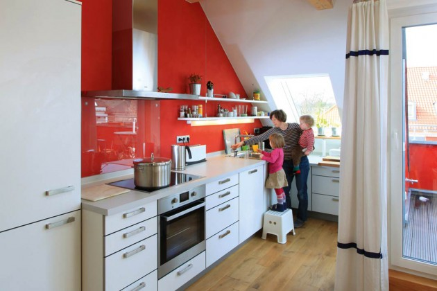 Küche mit roter Wand