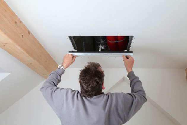 Der Einbau der LED-Leuchte erfolgt flächenbündig.