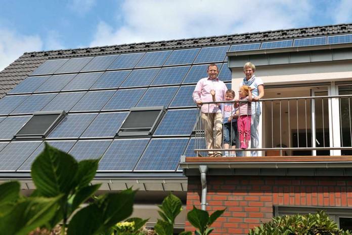 Gebäude aus dem Jahr 1962 wurde zu einem Plus-Energiehaus umgewandelt.