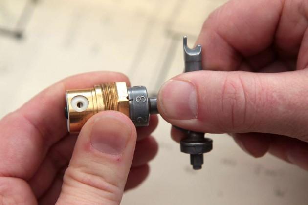 Einstellbares Thermostatventil: Es verfügt über einen in Stufen verstellbaren Durchflussbegrenzer.