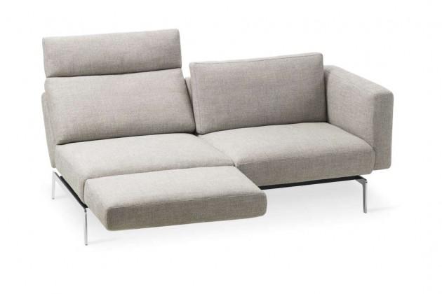 """Möbel werden nicht mehr zur Präsentation für Gäste ausgesucht: Smart folgt mit der Liegeposition dem Trend zum """"Herumlümmeln"""" und Wohlfühlen – und zeigt sich dabei dennoch äußerst präsentabel."""