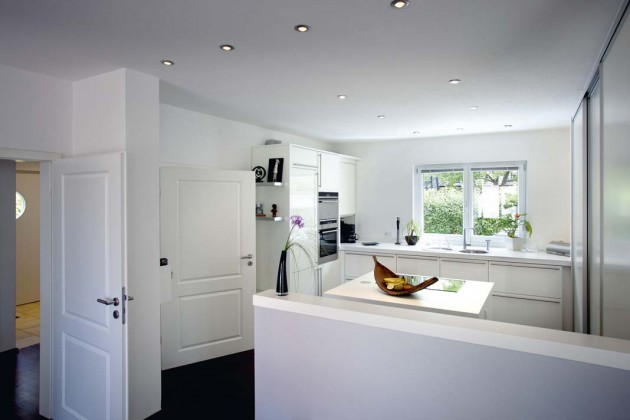 Bewegungs- freiheit und Helligkeit geben auch in der Küche den Ton an.