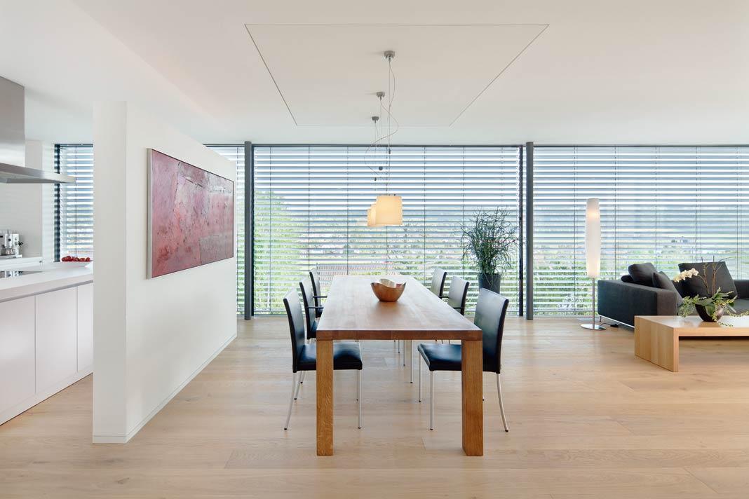 Trennwände beziehunsgweise Raumteiler, die in Trockenbauweise recht leicht zu errichten sind.