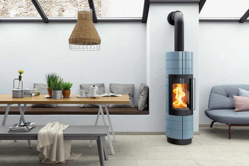 """Specksteinofen """"Fidus"""" mit dem Abbrandverfahren des """"Goldenen Feuers"""" macht die Wärmeerzeugung effizienter und lässt das Holz hellauf lodernd verbrennen. Foto: NunnaUuni"""