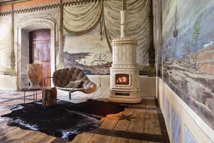 Ein majestätischer Ofen mit elegantem Design, der auch weitläufige Wohnräume heizen kann.