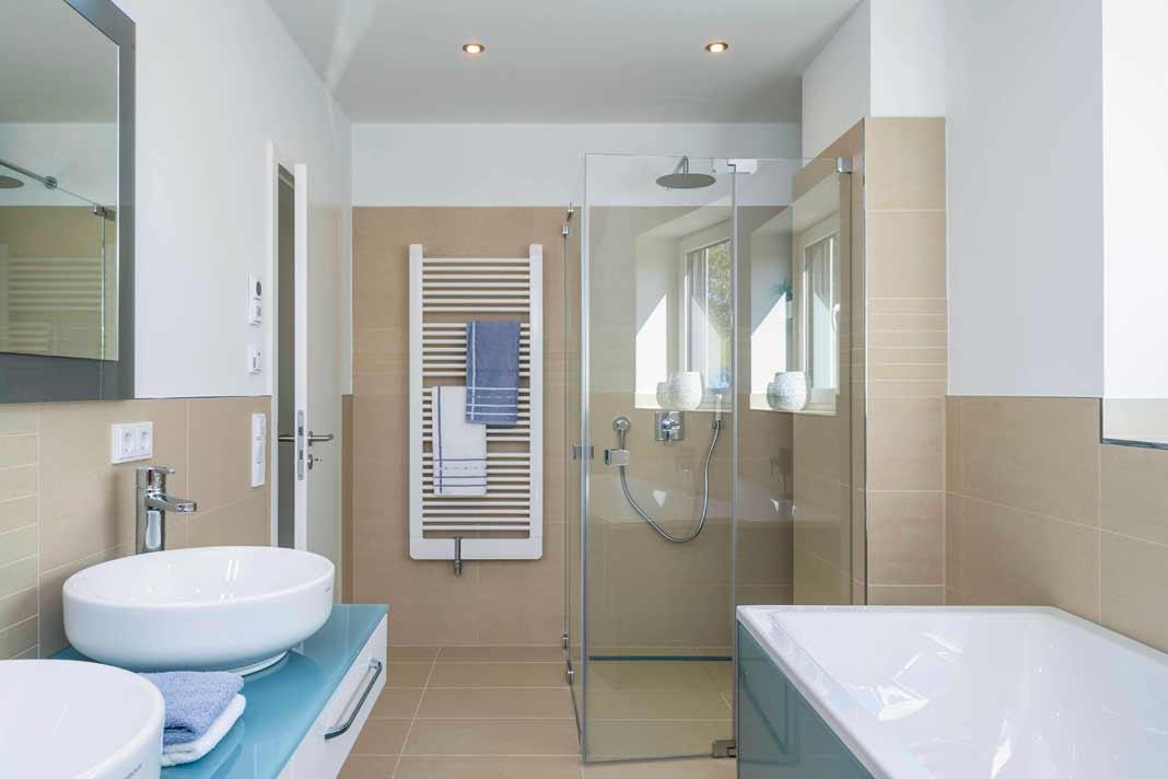 Die Designlinie cosima von Vigour verkörpert Klarheit und Geradlinigkeit und unterstützt die Ordnung im Bad optisch. Foto: Arge