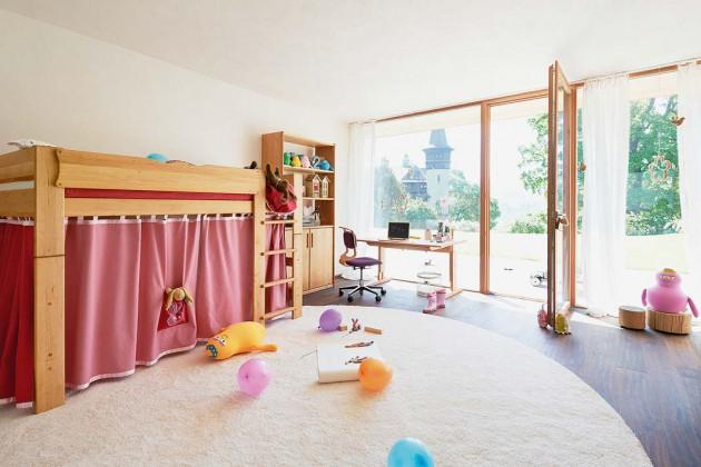 Kindermöbel aus echtem Naturholz und ohne chemische Zusätze stehen für gesunde Möbel.