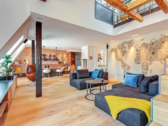 elegantes dachgeschoss ber den d chern von m nchen livvi de. Black Bedroom Furniture Sets. Home Design Ideas