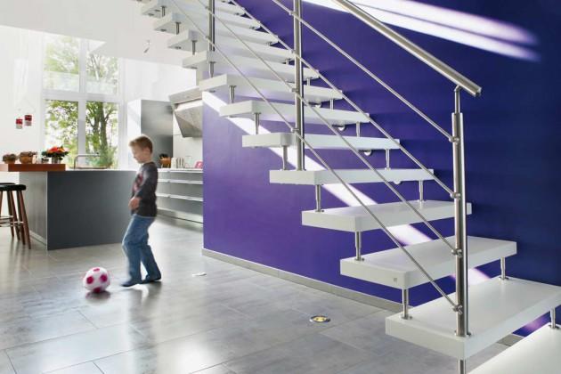 """Selbst weiße Trittstufen bleiben mit den """"Longlife""""- Treppen nach Aussage des Herstellers jahrelang sauber, sind abriebfest und besonders robust."""
