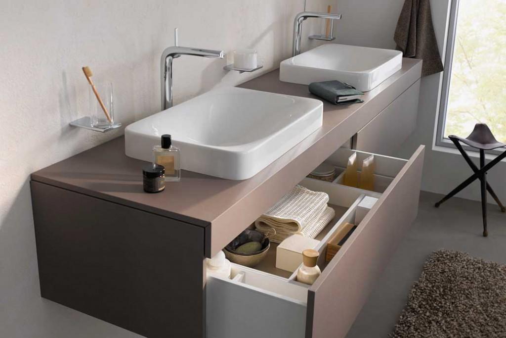 Blickfang mit Übersicht: Waschtische und Möbel entpuppen sich immer mehr als Designerstücke und Ordnungshüter zugleich.Foto: Keuco