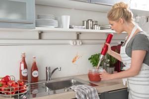 Spezialfarbe für die Küchenwand zur leichten Reinigung.