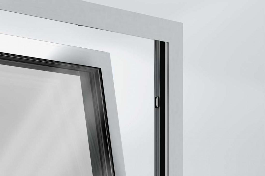 Fenster mit Magnetschalter als Alarmanlage