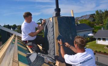 Schiefer ist ein wetterfestes Material zur Verkleidung von Dach und Fassade