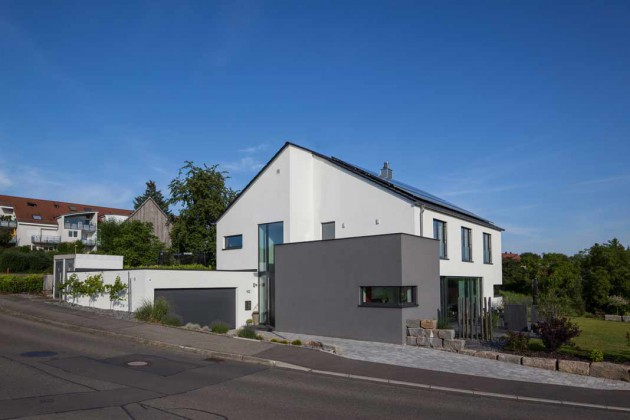 Einfamilienhaus (Straßenansicht)