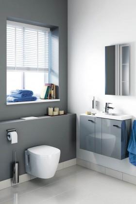 """""""Connect Space"""" ist speziell für kleine Badezimmer und Gäste-WCs konzipiert und bietet Produkte und intelligente Stauraumlösungen, die helfen, das Beste aus wenig Platz zu machen."""