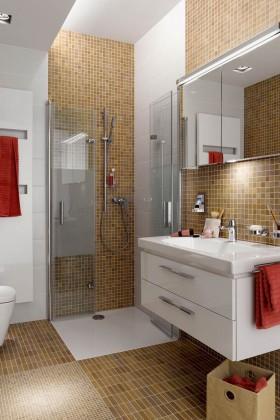 """So wird ein Minibad ganz groß: Eine Duschabtrennung, die sich ganz """"dünn"""" macht, schafft Bewegungsfreiheit, dazu ein kurzes WC, viel Licht und Spiegelflächen erweitern optisch."""