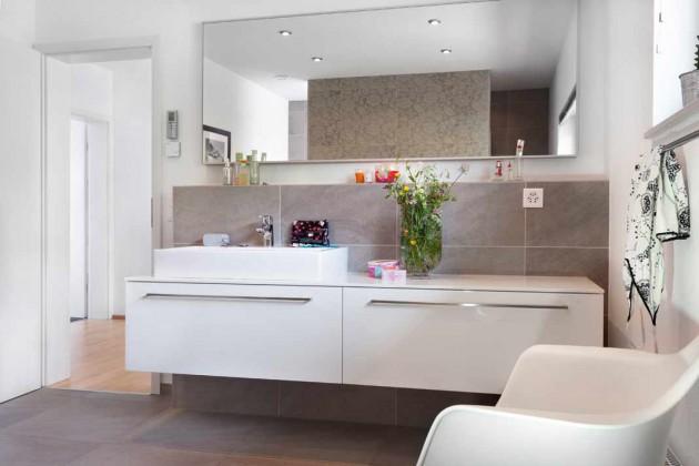 Badezimmer werden immer wohnlicher – einmal mehr unterstreicht ein Blick in das Badezimmer von Familie Indermühle.