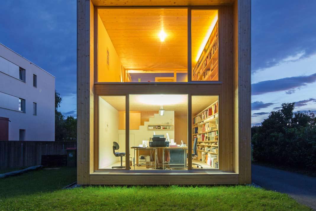 Große Fensterflächen in diesem Einfamilienhaus.