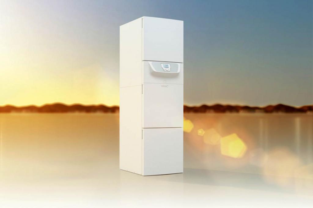 Gasbrennwertzentrale mit integriertem Solarspeicher lässt sich ideal mit Sonnenkollektoren kombinieren.