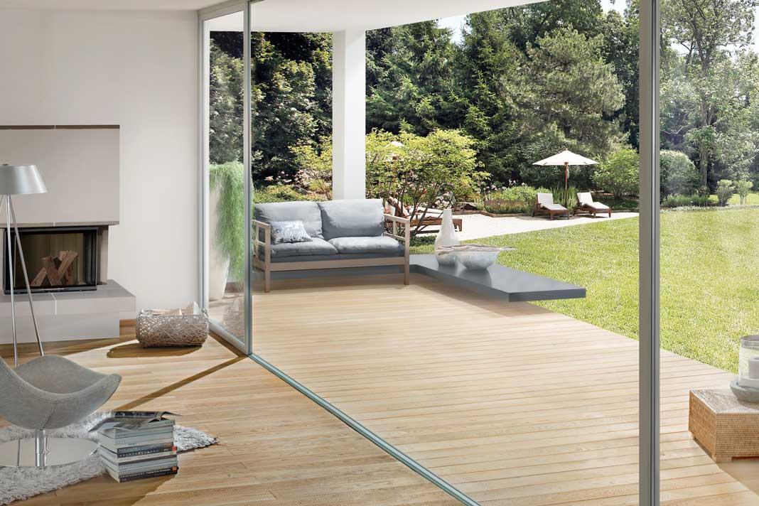 Osmo bietet die Möglichkeit, die Optik von Massivholzdielen im Außenbereich als Terrassendiele wieder aufzunehmen.