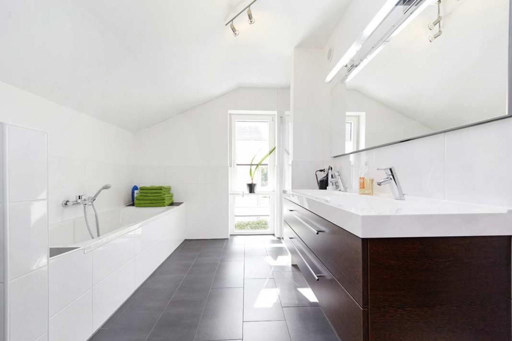 Viel Licht, aber keine Dachflächenfenster im Bad
