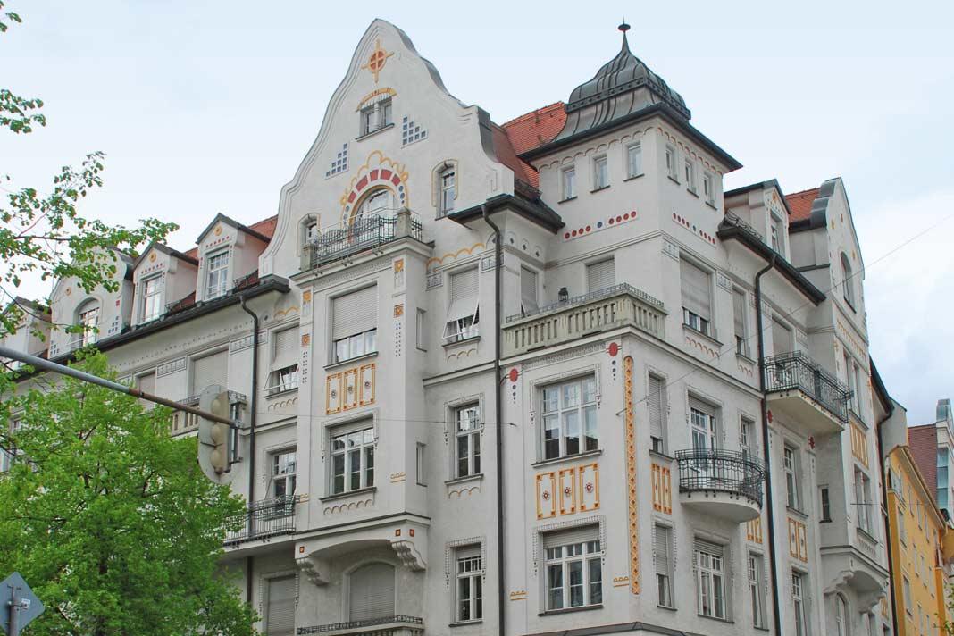 Gebäude der Gründerzeit, der letzten drei Jahrzehnte des 19. Jahrhunderts, überzeugen durch solide Bauweise, hohe Decken und flexibel nutzbare Grundrisse.