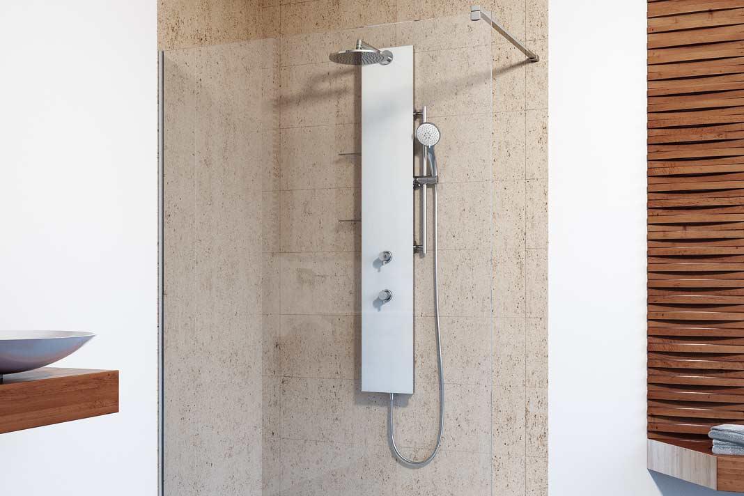 """Lediglich eine einzige Glasabtrennung und freier Zutritt zur Dusche kennzeichnet die sogenannte """"Walk-in""""-Dusche."""