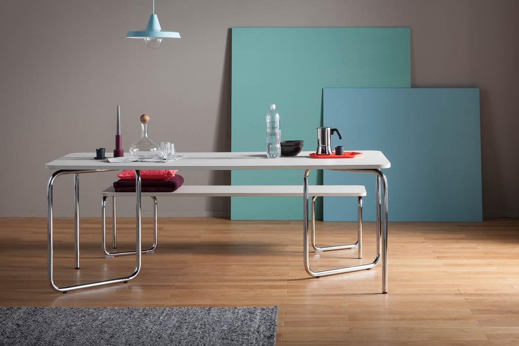 HELIOS ist eine neue Lösung für ein Tischsystem und wurde für den dauerhaften und temporären Einsatz entworfen.