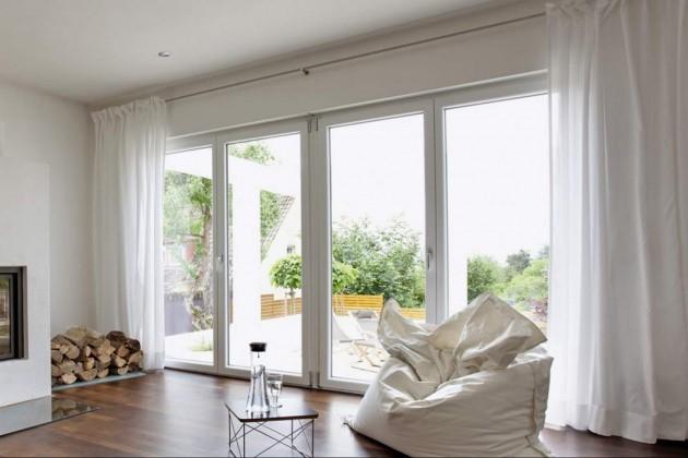 Die Fenster und Terrassentüren von Kneer-Südfenster sind serienmäßig mit Pilzzapfen ausgestattet, die in der Vorrichtung im Rahmen einrasten – sie lassen sich nicht einfach aufhebeln.