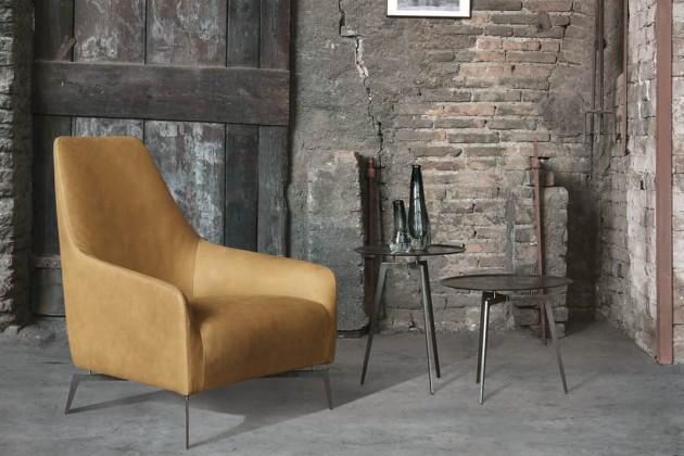 Stuhlsatz von Alivar Carol.