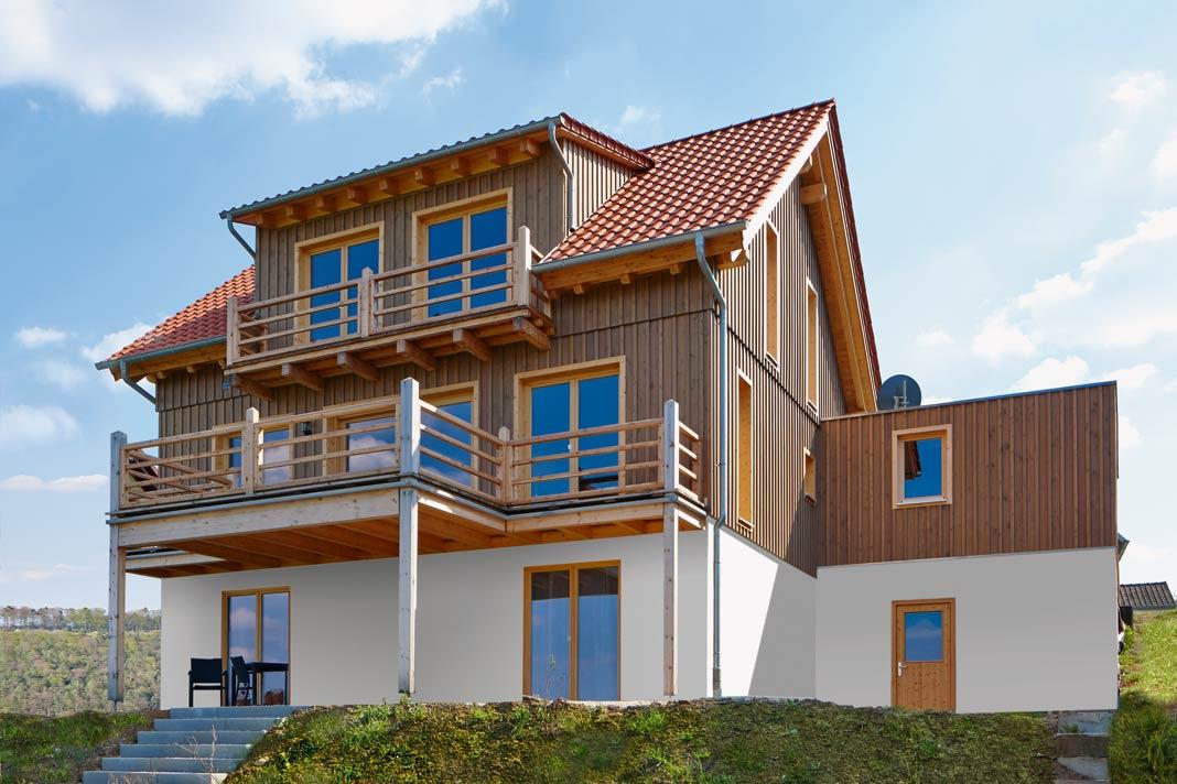 Massives Holz und aktueller Wohnstil begegnen sich im Haus Berglen von Rems-Murr-Holzhaus auf individuelle Art.