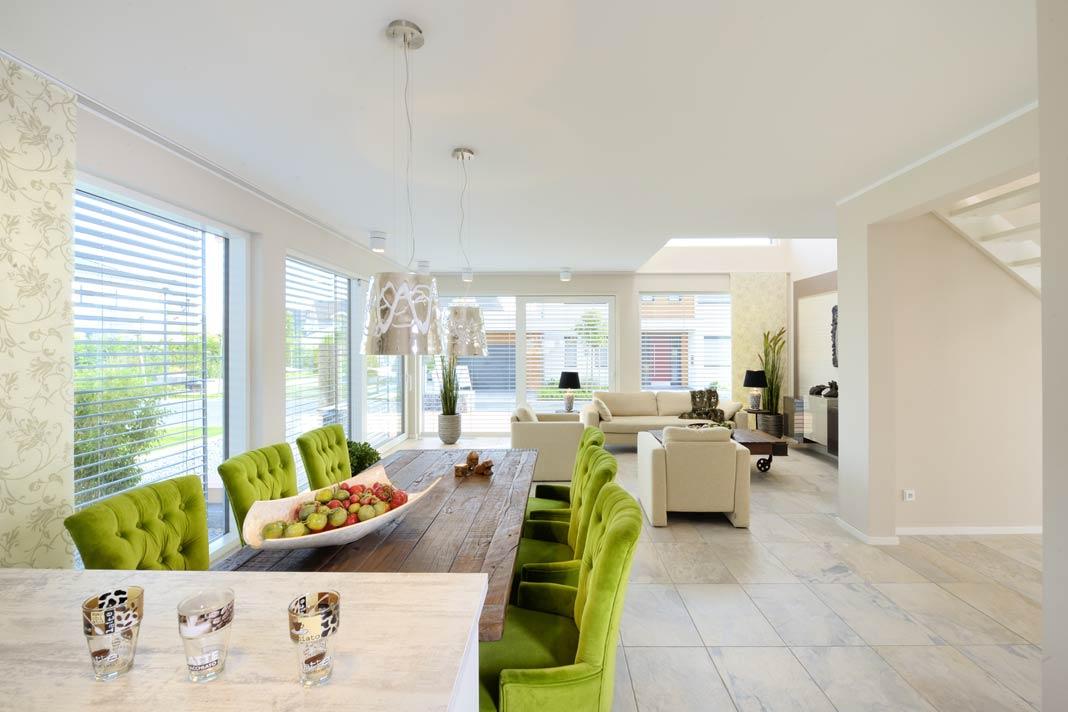 Große Glasflächen gehören zum modernen Wohnen.