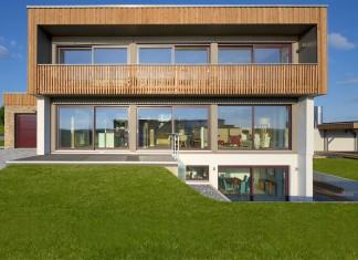 Das bei dem Haushersteller serienmäßige Konzept eines Plus-Effizienzhauses auf Basis des energetisch höchsten Standards, dem Effizienzhaus 40, macht Waldhausen energetisch zum Selbstversorger.
