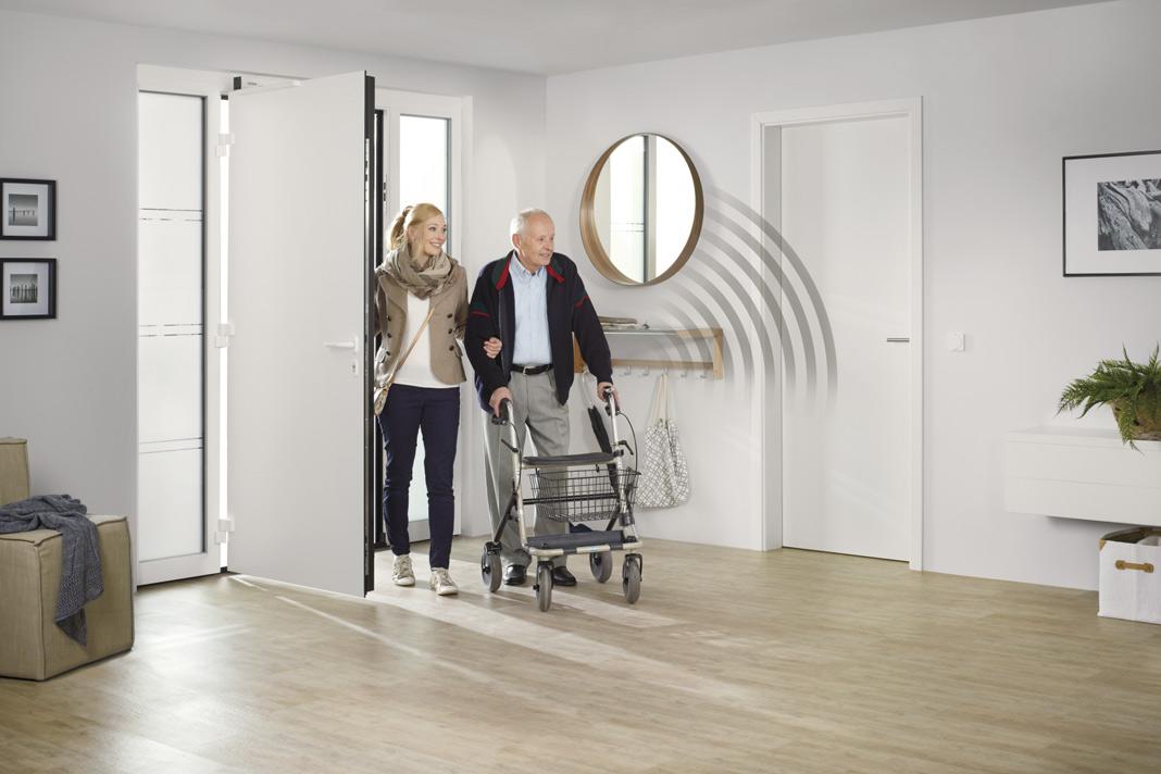 Zur Barrierefreiheit gehört auch das einfache und automatische Öffnen und Schließen von Türen. Foto: Hörmann