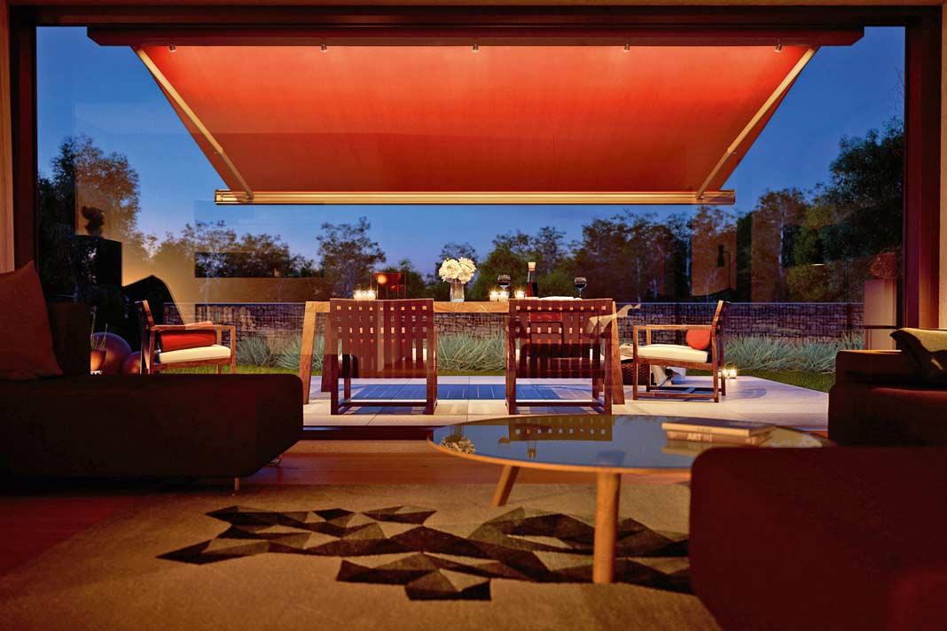Die Terrassenmarkise unterstreicht urbanen Lebensstil.